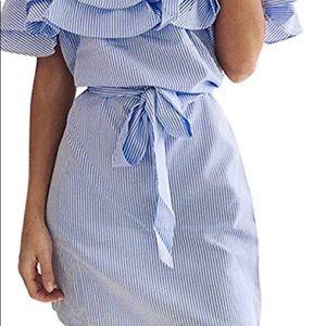 Dresses - Off the shoulders pinstripe summer dress!